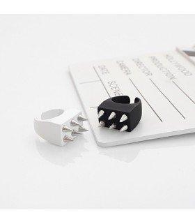 Bague Kkureogi Stud Ring (Black/Silver)