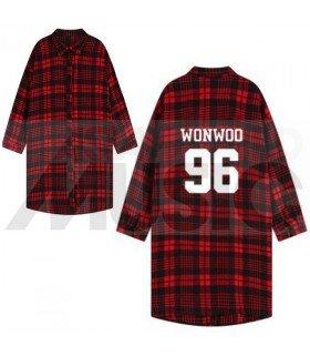 SEVENTEEN - Chemise longue à carreaux - WONWOO 96 (Red & Black) (Taille unique)