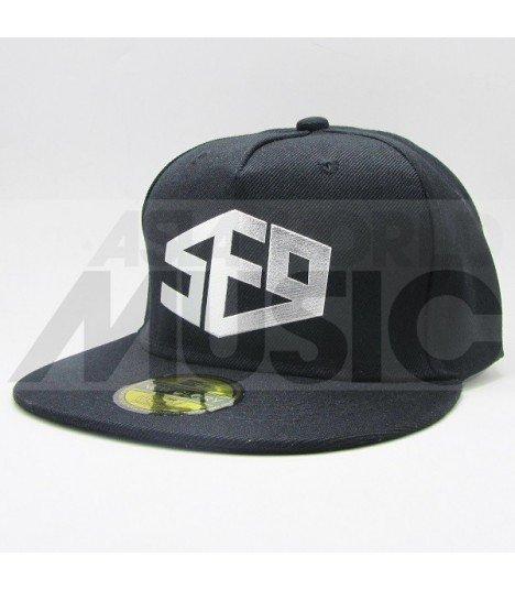 SF9 - Casquette SF9 (Shiny Silver / Black)