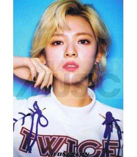 Poster L JEONGYEON TWICE 003